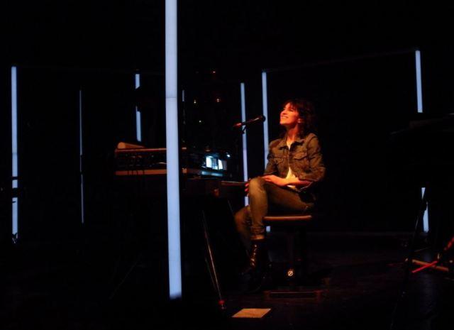 Charlotte Gainsbourg - par Pierre Olivier Signe - Je Suis Musique (1)