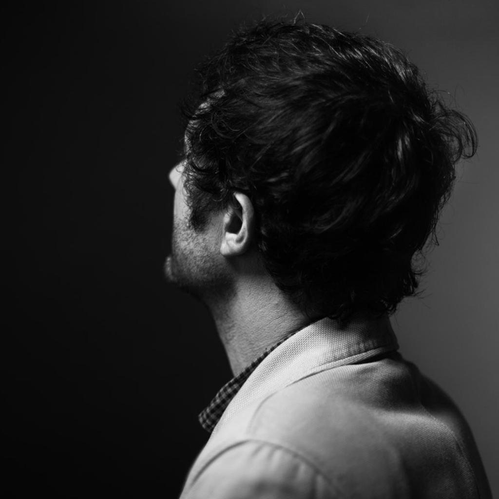 Albin De La Simone © Gilles Vidal / Hans Lucas - photo recadrée par l'auteur