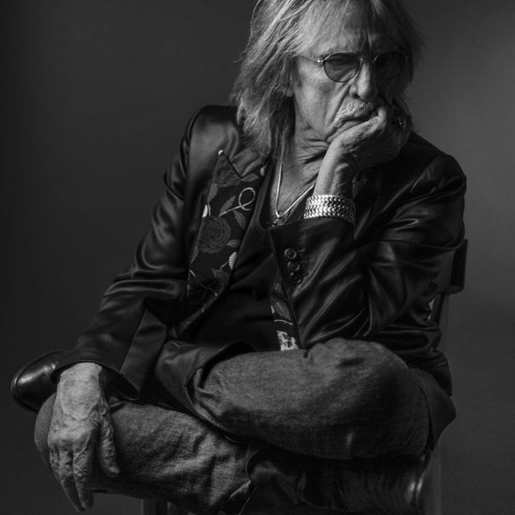 Christophe © Gilles Vidal / Hans Lucas - photo recadrée par l'auteur